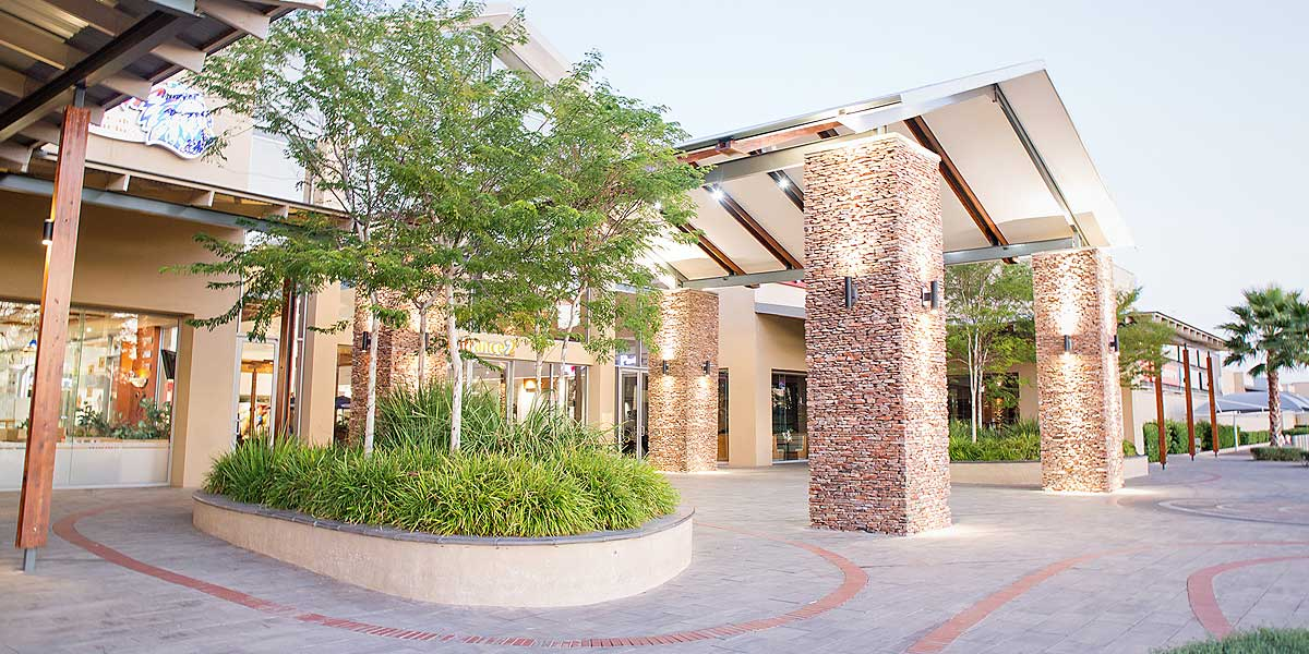 Kalahari mall, Upington - entrance to the mall